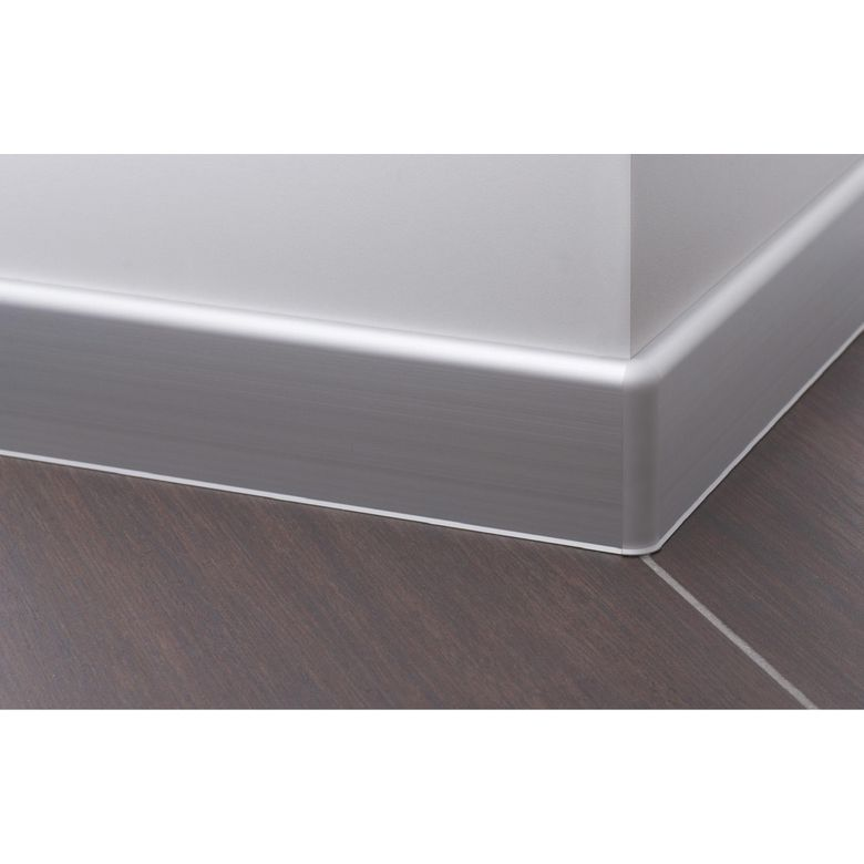 Pose de plinthe carrelage angle for Plinthes de carrelage