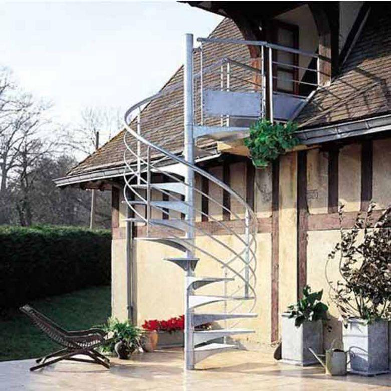 Escalier ext rieur nova spiral en acier galvanis escaliers for Escalier exterieur metal