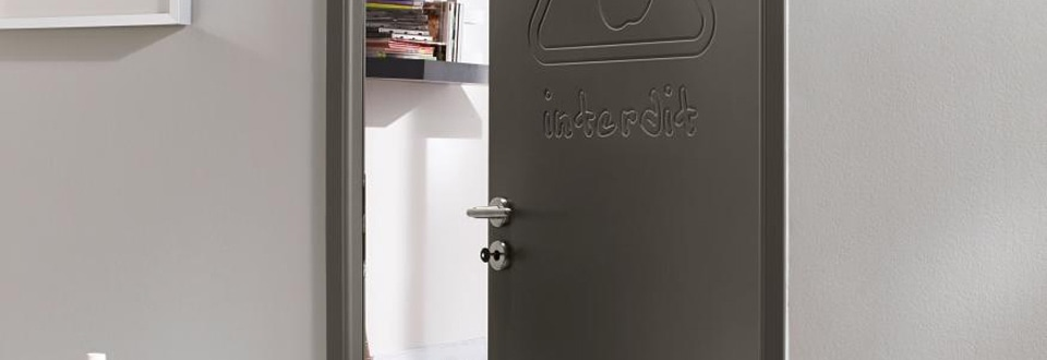 Les portes int rieures contemporaines 100 design for Porte interieure grise