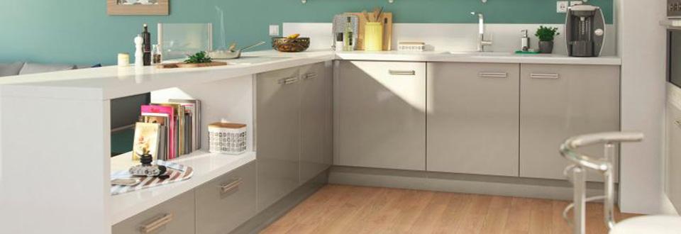 Choisir le meuble de cuisine adapt votre espace - Habillage de hotte de cuisine ...