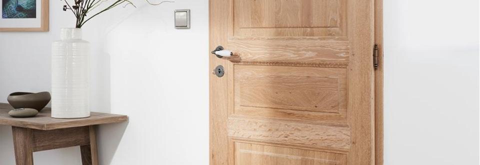 des portes int rieures authentiques en bois massif. Black Bedroom Furniture Sets. Home Design Ideas
