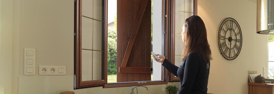 la motorisation de porte pour une maison tout confort. Black Bedroom Furniture Sets. Home Design Ideas