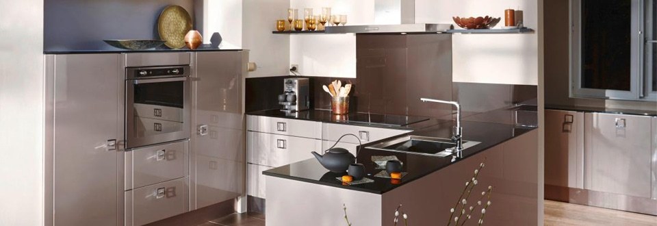 installer un robinet de cuisine. Black Bedroom Furniture Sets. Home Design Ideas