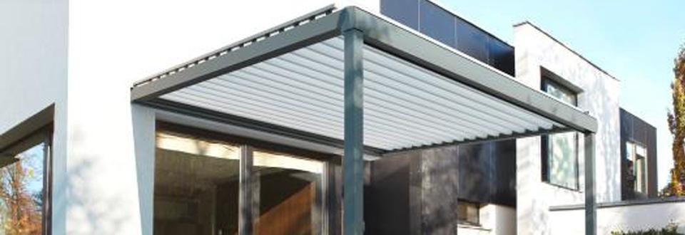 le toit de terrasse lames motoris es. Black Bedroom Furniture Sets. Home Design Ideas