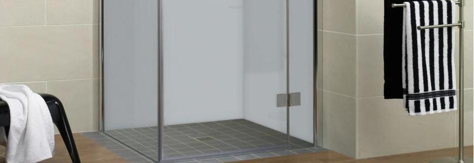 Une salle de bain design moindre prix - Revetement douche mur ...