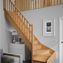 escalier chambord ch ne et h tre escaliers. Black Bedroom Furniture Sets. Home Design Ideas