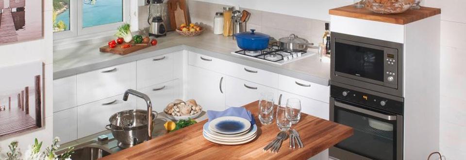 choisir le meuble de cuisine adapt votre espace. Black Bedroom Furniture Sets. Home Design Ideas