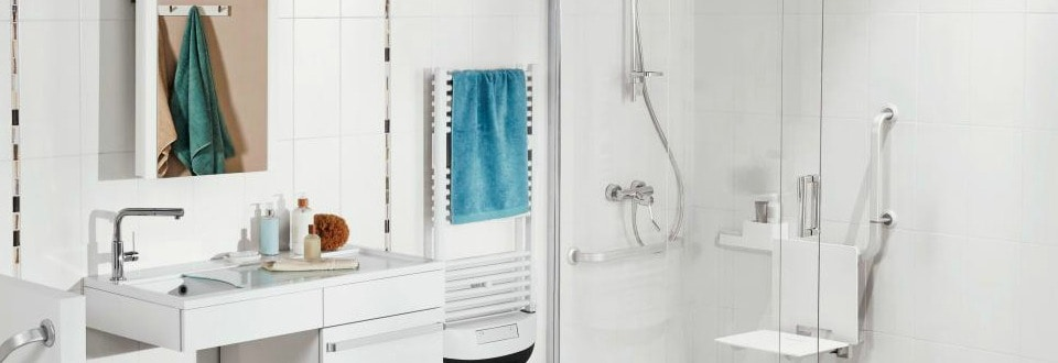 installer un s che serviettes dans sa salle de bain. Black Bedroom Furniture Sets. Home Design Ideas
