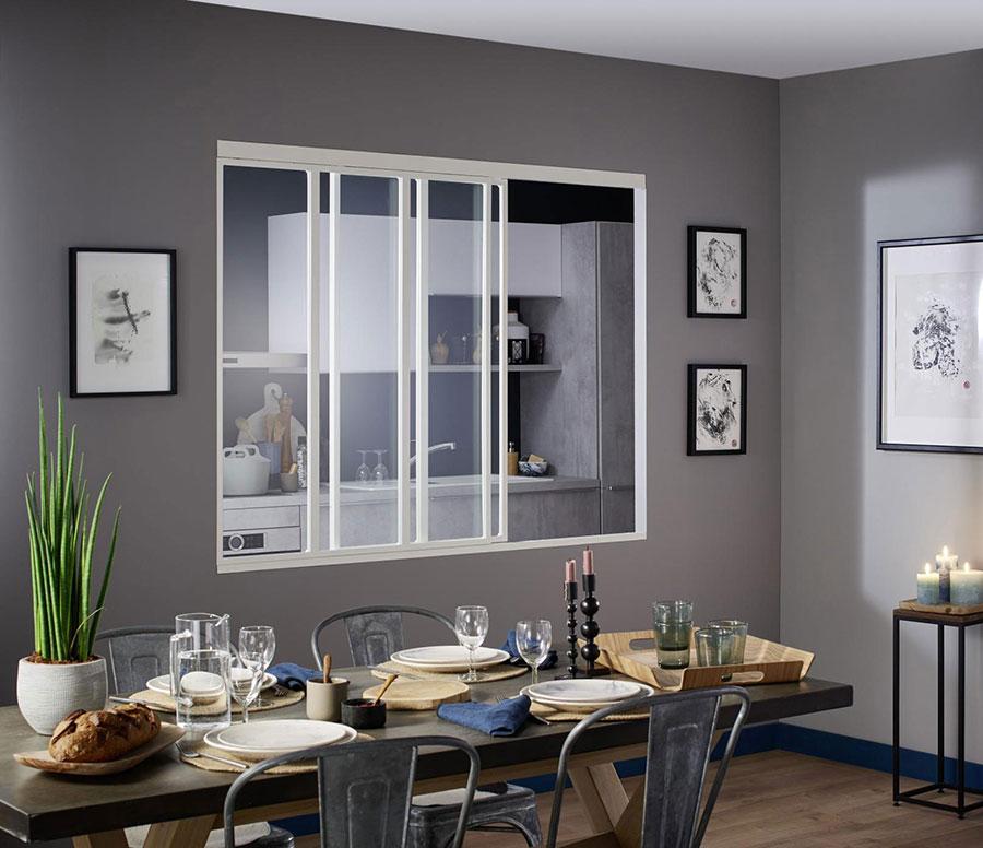 cuisine semi-ouverte avec salle à manger