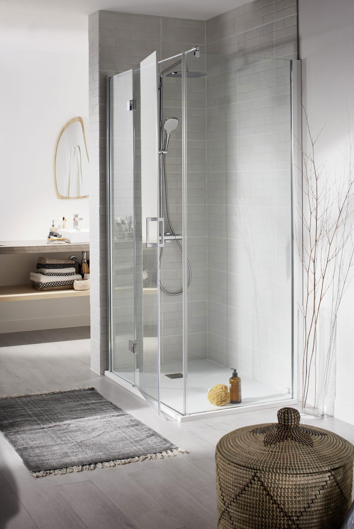 Les différents styles de porte de douche - Lapeyre